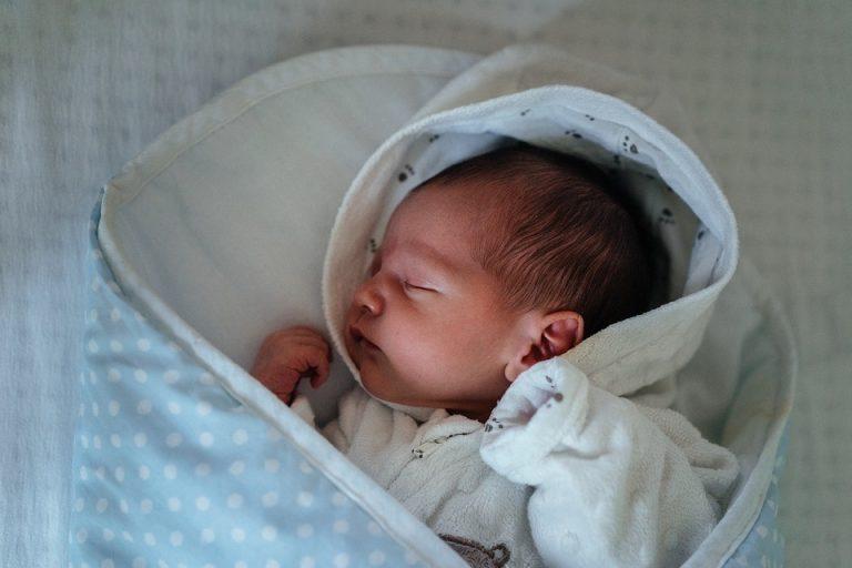 bébé, baby, apaisé, appeased, pleurs bébé que faire, bébé pleure, pleurs, baby, baby cry, crying, baby's crying